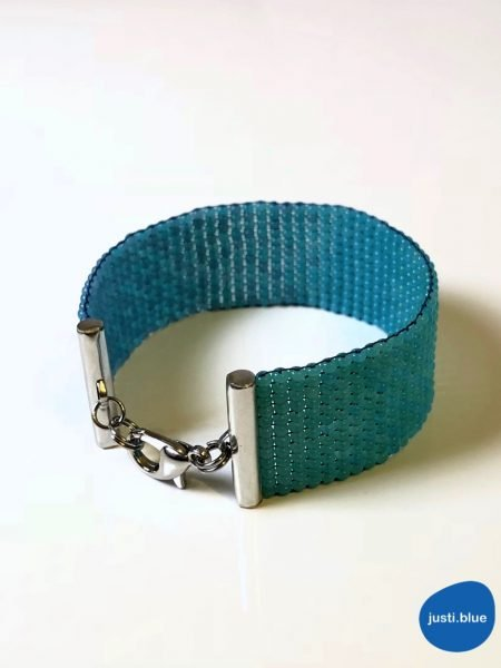 deep sea bracelet front left justi blue