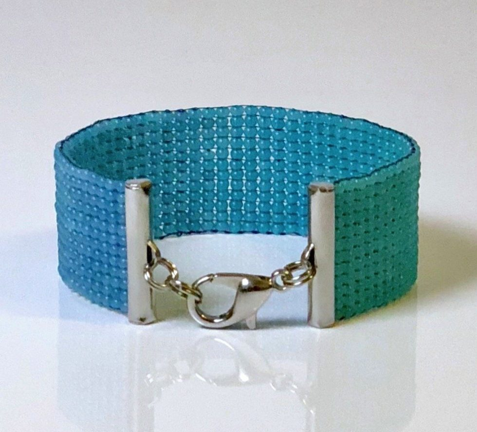 deep sea bracelet front view justi blue